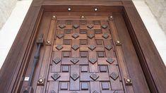 Wooden Front Door Design, Front Gate Design, Wooden Front Doors, Wood Doors, Door Design Interior, Window Design, Modern Wooden Doors, Wood Exterior Door, Solid Wood