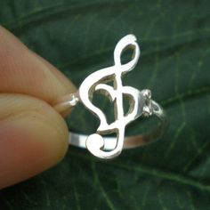 Music Treble Clef Bass Clef Ring Heart Ring Easter by yhtanaff, Music Jewelry, Cute Jewelry, Jewlery, Jewelry Accessories, Treble Clef Tattoo, Music Heart, Clarinets, Music Items, Cute Rings