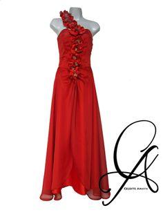 Floreciendo en Naranja, Vestido confeccionado en Chifon de seda, con flores hechas a mano, decoradas con centros de cuentas doradas!! #Fashion #Designs #Fabrics #Textiles #Moda #Mannequins #FashionFabrics #highFashionFabrics #FashionDesigners #Telas #Textiles #Diseños #Confeccion #CorteyConfeccion #ConfecciondeAltaCostura #HauteCouture #CoutureDesigns s #FabricStore #ArtCouture #Moda #Couture #DesignerDresses #CocktailDresses #VestidosdeFiestas #VestidosdeNoche