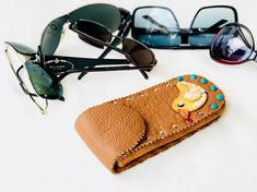 Universal Soft genuine leather glasses /phone case Luxury Leather Glasses Case, Leather Pencil Case, Leather Case, Make A Case, You Bag, Leather Handbags, Mothers, Sunglasses Case, Pouch