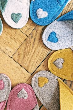 Decorate your boho home with colorful slippers handmade of wool felt. Unique home slippers for your unique home. Wedding Gifts For Bride And Groom, Unique Wedding Gifts, Bride Gifts, Unique Gifts, Handmade Gifts, Traditional Housewarming Gifts, Cosy Home Decor, Felted Slippers, Women's Slippers