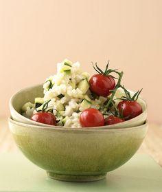 Rezept für Zucchini-Risotto bei Essen und Trinken. Ein Rezept für 2 Personen. Und weitere Rezepte in den Kategorien Gemüse, Käseprodukte, Reis, Alkohol, Hauptspeise, Beilage, Braten, Dünsten, Kochen.
