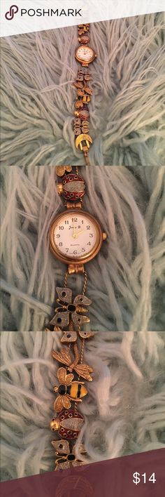 Avon Watch Sliding Band Bee 🐝 Butterfly Ladybug Cute watch by Avon.  The 🐝 Bee, butterfly 🦋, dragonfly and 🐞 ladybug charms slide along the band.  Needs a battery! Avon Accessories Watches