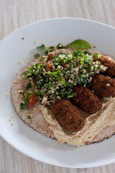 hummus, falafels & quinoa tabbouleh