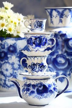 ✻✻Tea cups and Saucers, Russian White Blue Porcelain Gzhel, Made in Russia, Hand Painted.