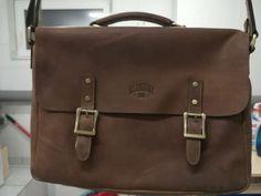Wir sind ein Online-Shop aus Zürich und verkaufen sorgfältig ausgewählte Artikel für Business und Freizeit. Bei Bag Selection wählen wir die stilvollsten Artikel und das beste handgefertigte Leder für Sie aus. Furla Metropolis, The Selection, Messenger Bag, Satchel, Bags, Travel Tote, Suitcase, Laptop Tote, Convertible