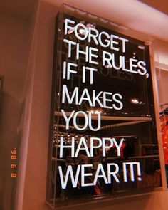 casual style everyday style fashion outfits casual fashion sweaters with leg fashion quotes Motivacional Quotes, Neon Quotes, Selfie Quotes, Words Quotes, Sayings, Citations Selfie, The Words, Vintage Quotes, Photo Wall Collage