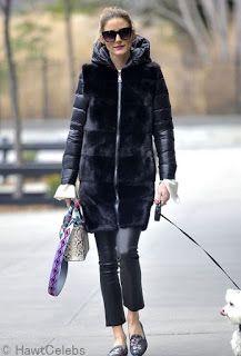 Celebrity Style | 海外セレブ最新ファッション情報 : 【オリヴィア・パレルモ】フラットシューズでマイルドに!オールブラックのカジュアルコーデで犬のお散歩!...