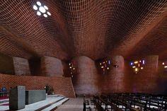 """Cristo Obrero Church"" (1960) in Uruguay by Eladio Dieste"