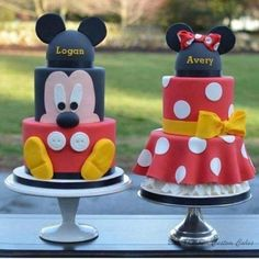 I love the ruffle skirt on the minnie! Mickey and Minnie Cakes - Cake by Elisabeth Palatiello Bolo Do Mickey Mouse, Mickey And Minnie Cake, Bolo Minnie, Mickey Cakes, Minnie Mouse Cake, Mickey Party, Mickey Mouse Parties, Twin Birthday Parties, Minnie Birthday