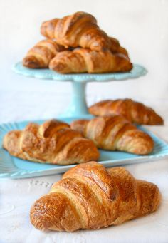 Dolci a go go Sweet Recipes, Real Food Recipes, Vegan Recipes, Bake Croissants, Coeur Gif, French Croissant, Cheese Toast, Sweet Pastries, Bakery