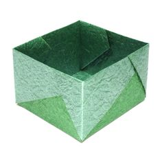 How to make a medium square origami box (http://www.origami-make.org/origami-box-square-medium.php)
