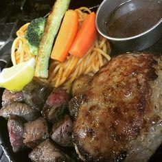 五稜郭店 ランチセットのハンバーグと和牛のMIXサイコロステーキ ¥2500 #hakodate #五稜郭 #函館 #ステーキ #ステーキハンバーグひげ #steak #Hamburg #週一度の贅沢 #ひげ #hokkaido  #love #food #dinner  #delicious #yummy #yum  #foodpic #foodpics #eat #eating #肉 #美味  #cool  #牛 #牛肉 #サイコロステーキ #和牛 #昼飯 #ランチ