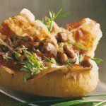 Pomme de terre au four farçie aux champignons des bois