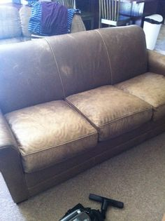 ugly leather sofa dyed with leather dye (this is the before) the after looks gre… – Hazir Site Leather Repair, Leather Dye, Leather Sofa, White Leather, Furniture Repair, Diy Furniture, Free Couch, Hacks, Apartment Living