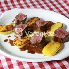 Fotografie receptu: Panenka z divočáka s hruškovým pyré Pork, Beef, Pork Roulade, Meat, Pigs, Ox, Ground Beef, Steaks, Pork Chops