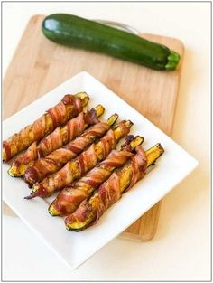 This recipe for keto-zucchini bacon bites will convince your guests with every . - Popular pictures - This recipe for keto zucchini bacon bites will convince your guests every time … – - Healthy Diet Recipes, Keto Snacks, Low Carb Recipes, Healthy Snacks, Bacon Recipes Keto, Bacon Keto Diet, Low Carb Zucchini Recipes, Recipe Zucchini, Keto Foods