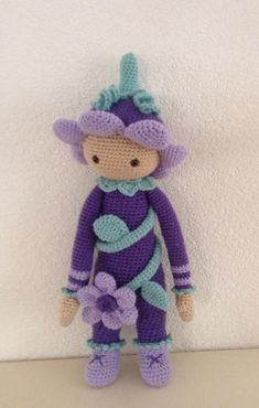 Flower girl mod made by Irene J.-K. / based on a lalylala crochet pattern