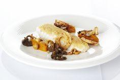 Zeeduivel op hazelnoten gebakken, butternutpuree, bospaddenstoelen en linzen