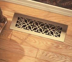 Scroll vent cover register