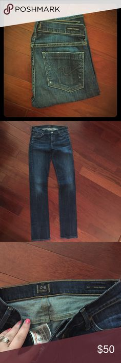 """Citizens of Humanity. Style: Ava. Size: 27. Citizens of Humanity. Style: Ava low rise straight leg. Size: 27. Inseam: 34"""". In pristine condition! Citizens of Humanity Jeans Straight Leg"""