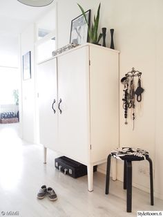 eteinen,mustavalkoinen,mustavalkoinen sisustus,Tee itse - DIY