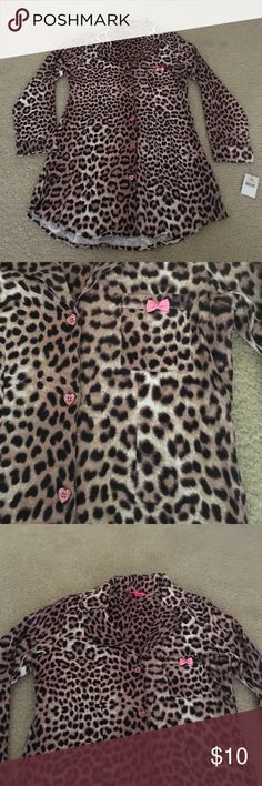 Flannel sleepshirt nighty leopard Super soft and fuzzy flannel verses Johnson sleepshirt with cute little sparkly heart buttons size small Betsey Johnson Other