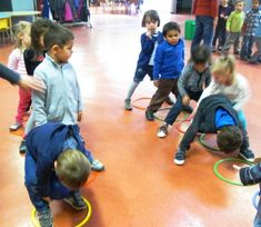 Inversion group Source by indeaumiel Motor Skills Activities, Gross Motor Skills, Kindergarten Activities, Physical Activities, Kids Education, Physical Education, Games For Kids, Activities For Kids, Brain Gym