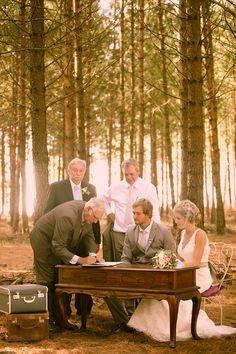 Heléne en Marius Coetzer is ons bruidspaar van die jaar-wenners. Kyk deur al die foto's van dié pragtroue. When I Get Married, I Got Married, Marry Me, Wedding Inspiration, Wedding Ideas, Special Day, Big Day, Wedding Details, Rustic Wedding