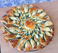 Pour cette belle tarte soleil épinards ricotta, il vous faut 10min de…