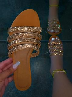 Bling Sandals, Trendy Sandals, Sandals Outfit, Cute Sandals, Fashion Sandals, Cute Shoes, Me Too Shoes, Aesthetic Shoes, Leather Sandals Flat