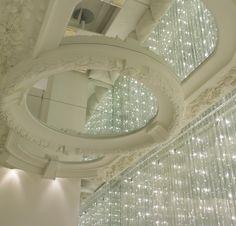 Ristorante Biancoro - Napoli Superficie a specchio con cornice in gesso