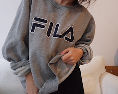 Mein Fila Pulli Vintage oversized original  von FILA! Größe Uni für 45,00 €. Sieh´s dir an: http://www.kleiderkreisel.de/damenmode/pullis-and-sweatshirts-langarmlig/148265182-fila-pulli-vintage-oversized-original.