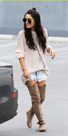 Vanessa Hudgens in Destructed Denim Shorts. The proportions of her whole look are super right, she really either has a fantastic eye or an amazing stylist Estilo Vanessa Hudgens, Vanessa Hudgens Style, Vanessa Hudgens Short Hair, Bohemian Mode, Hippie Boho, Only Shorts, Look Con Short, Look 2015, Baggy Clothes