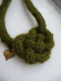 Spool knitting knot necklace