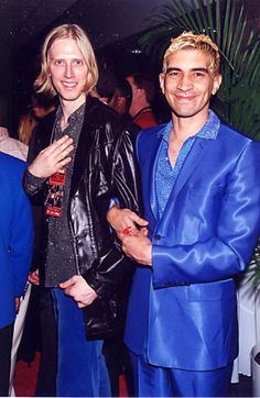 Eric Erlandson and Pat Smear in 1996