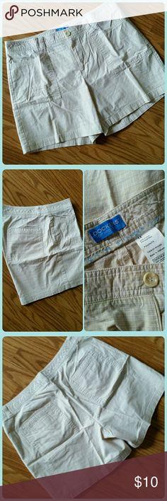 EUC Dockers Shorts Dockers tan & white plaid shorts. EUC Dockers Shorts