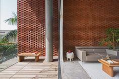 Rippling red brick facade shades house in Surat by Design Work Group Dezeen Architecture, Brick Architecture, Modern Architecture Design, Residential Architecture, Tropical Architecture, Amazing Architecture, Brick Facade, Putz, Building Design