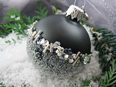 Tree Decorations: Balls - October Night Christmas Bauble, Black, - a unique product by Queensmad Halloween Christmas Tree, Black Christmas Tree Decorations, Black Christmas Trees, Fabric Christmas Trees, Christmas Ornament Crafts, Christmas Baubles, Christmas Deco, Handmade Christmas, Christmas Crafts