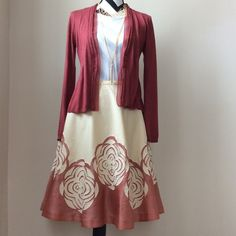"""{Anthropologie} Odille Rose Circle skirt {Anthropologie} Odille Rose Circle skirt. Cream and rosy mauve colors with splashes of little rhinestones. Side zip and hook closure. Approx 24"""" long. Lined. 70 cotton 27 silk 3 spandex. Size 0. NWT, never worn.   #99 Anthropologie Skirts Circle & Skater"""
