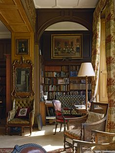 The Difference Between Modern Interiors And Traditional Interior Home Design Interior Design Software, Home Interior Design, Interior And Exterior, Interior Decorating, Traditional Interior, Classic Interior, Contemporary Interior, Traditional Design, Home Library Design