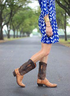 caravane tunic dress, blue dress, tunic dress, anthropologie dress, wary parker sunglasses, boots —via @TheFoxandShe