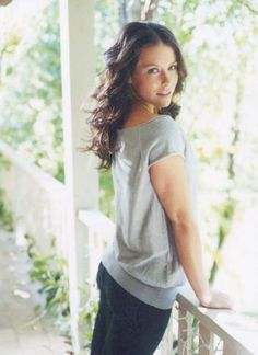 Click image to close this window Evangelina Lilly, Nicole Evangeline Lilly, Kira Kosarin, Michelle Trachtenberg, Canadian Actresses, Girl Celebrities, Kate Winslet, Hair Dos, Easy Hairstyles
