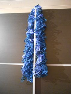 Echarpe frou-frou bleue