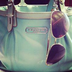 #Blue handbag ,i love the coller!
