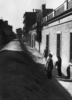 SPAIN. Barcelona. Rubble is piled up in the streets to stop trucks and tanks from circulating. July 1936.