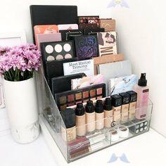 <br> Diy Makeup Organizer, Make Up Organizer, Make Up Storage, Makeup Organization, Storage Ideas, Storage Organization, Storage Hacks, Diy Storage, Bathroom Organization