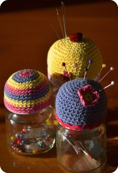 Crochet Pin cushion jar toppers        ♪ ♪ ... #inspiration #crochet  #knit #diy GB  http://www.pinterest.com/gigibrazil/boards/