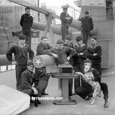 USS New York crew and their ship's mascots, 1899