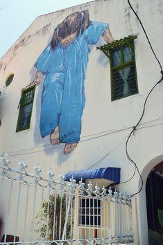C'est décidé, je quitte la maison, na ! / Street art. / Georgetown. / Penang. / By Zachas. / Photo by Lindsey Rose.